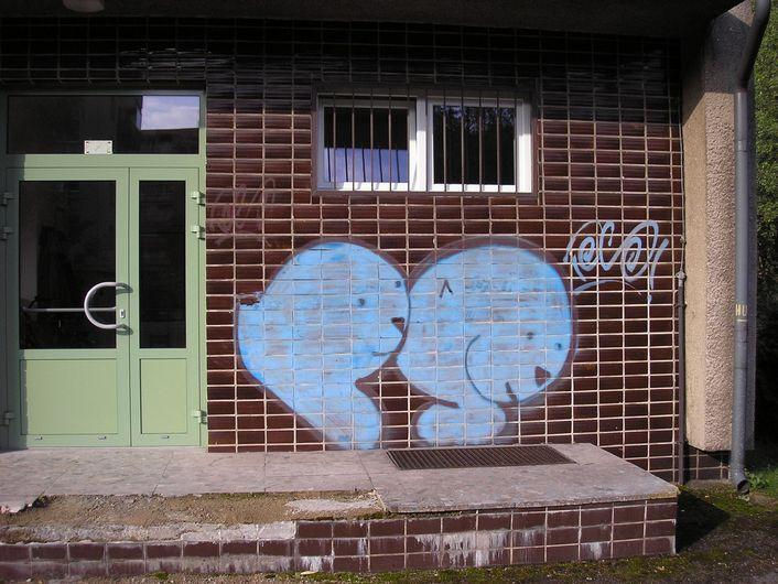 OK HONOR s.r.o. - Odstranění graffiti MŠ v Třinci